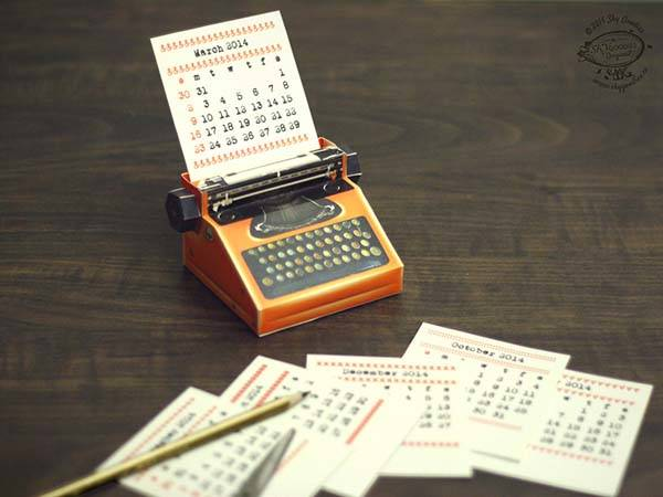 The 2015 Calendar Inspired by Miniature Typewriter  Gadgetsin