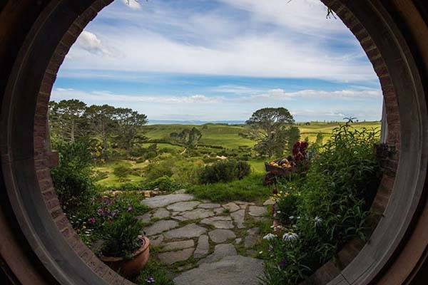 Lotr Fall Wallpaper The Real Life Hobbiton In New Zealand Gadgetsin