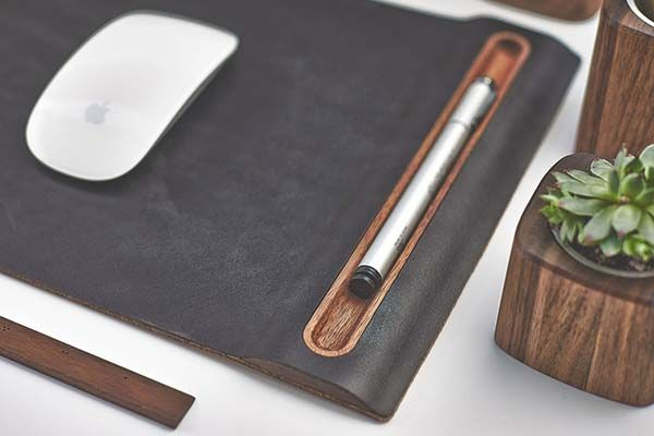 Grovemade Walnut Mouse Pad Boasts an Integrated Pen Holder