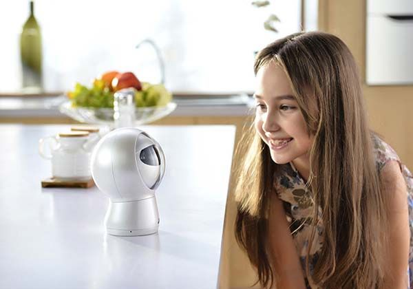 Moorebot is a Cute Robotic Personal Assistant with Voice Recognition Camera and More  Gadgetsin