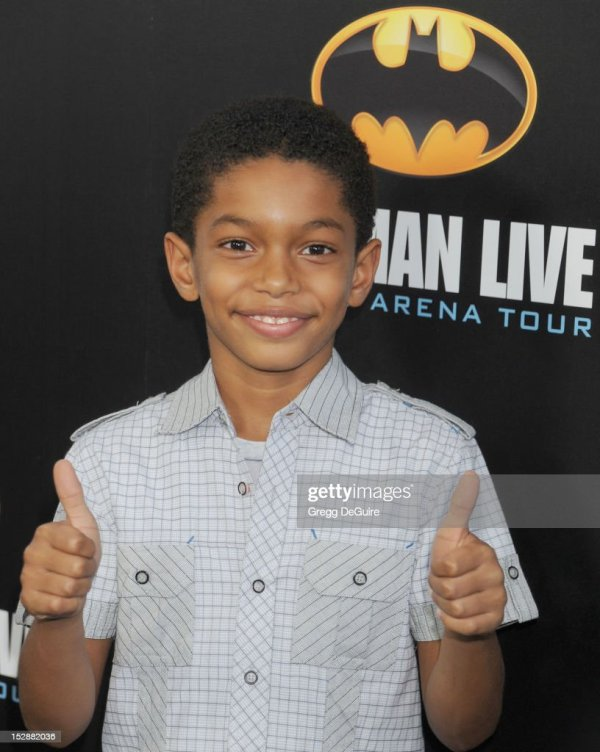 Actor Sayeed Shahidi Arrives Opening Night Performance Of 'batman Live ' Staples
