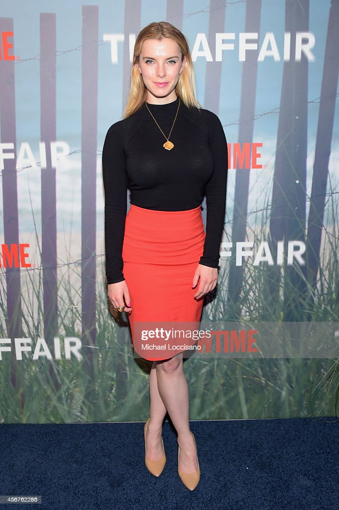 Betty Gilpin Stock Photos And Pictures Getty Images