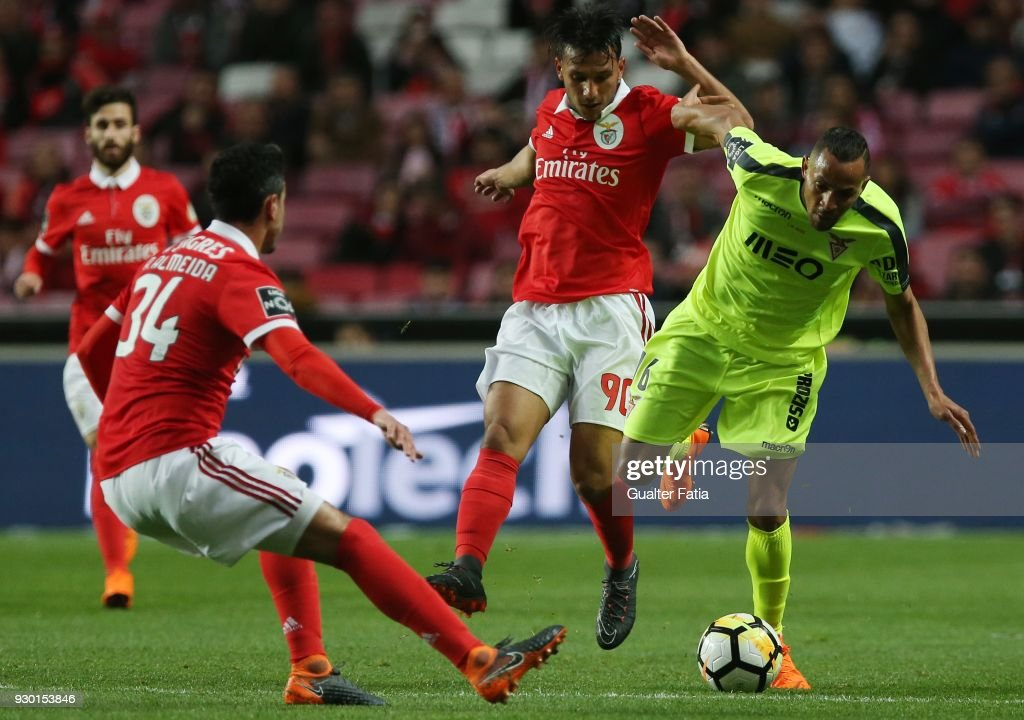 CD Aves midfielder Nildo Petrofina from Brazil tackled by SL Benfica... News Photo - Getty Images