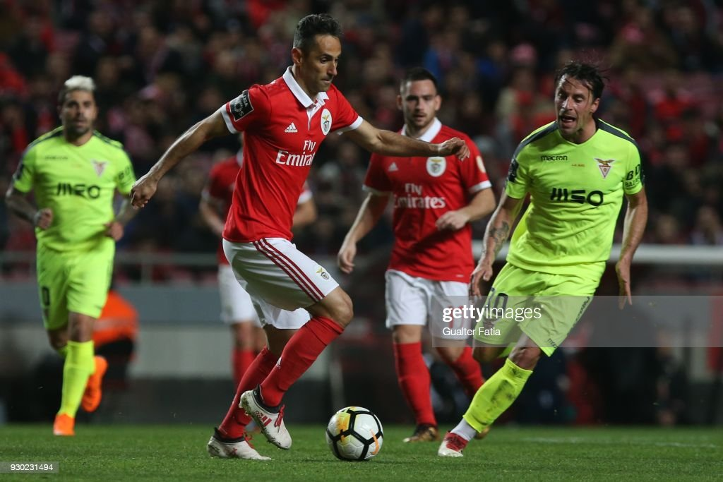 SL Benfica forward Jonas from Brazil with CD Aves midfielder Vitor... News Photo - Getty Images