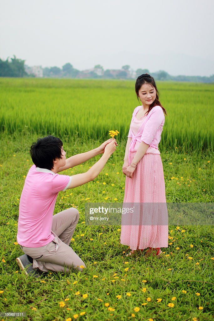 A Girl Proposing A Boy Wallpaper Boy Proposing To Girl Stock Photo Getty Images