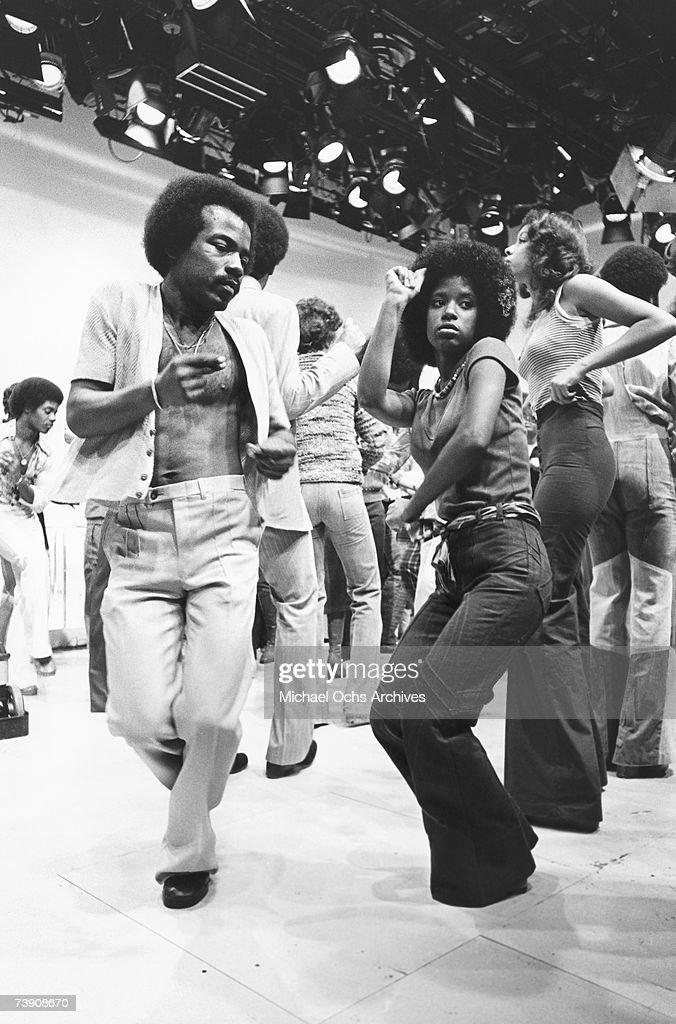 Soul Train Line Dancing : train, dancing, Train, Dancers, Photos, Premium, Pictures, Getty, Images