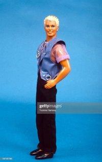 Earring Magic Ken Photos et images de collection | Getty ...