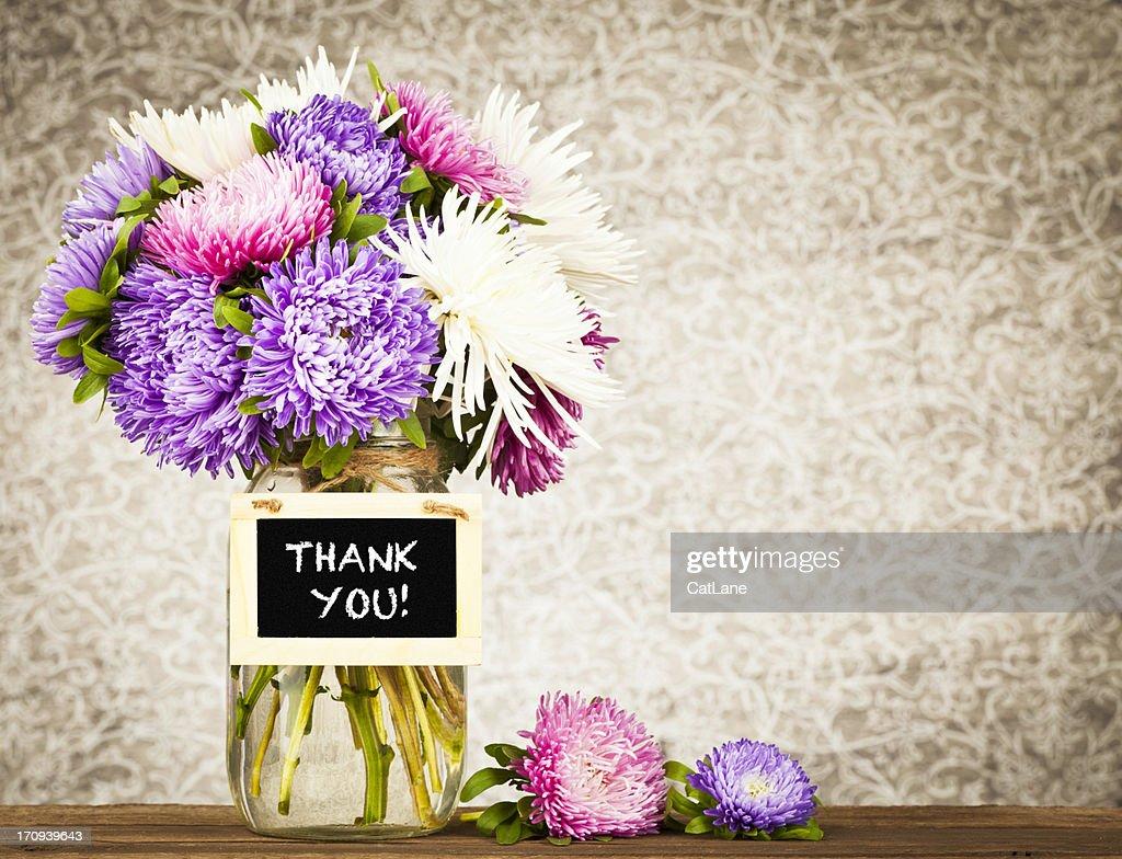 Blumen Mit Vielen Dank Nachricht StockFoto  Getty Images