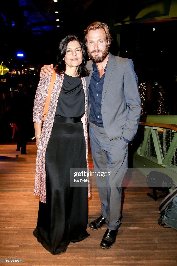https www gettyimages com au detail news photo german actress jasmin tabatabai and her husband german news photo 1167994957 language fr