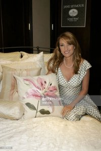 Jane Seymour Introduces Her New Home Collection Featuring ...