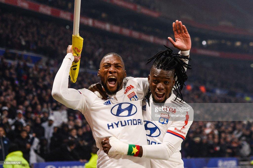 https www gettyimages dk detail news photo karl toko ekambi of lyon celebrates his goal with bertrand news photo 1204559709