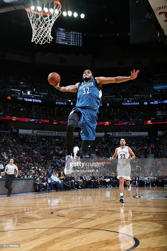 Karl Anthony Towns Dunk Stock Photos And Pictures Getty