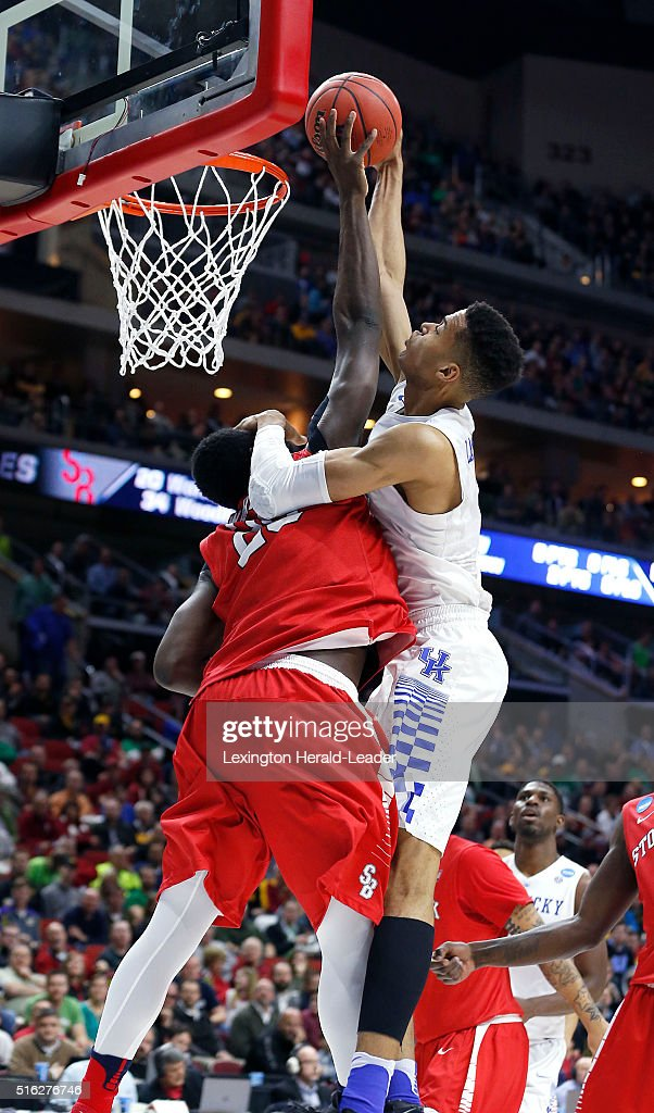 Kentucky's Skal Labissiere has his shot blocked by Stony Brook's... News Photo - Getty Images