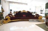 Michael Jackson Sofa Michael Jackson Sofa Goes On Display ...