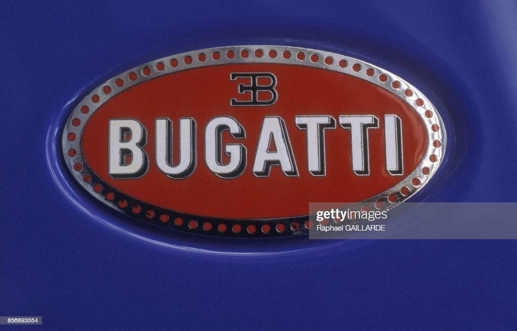 le logo bugatti en