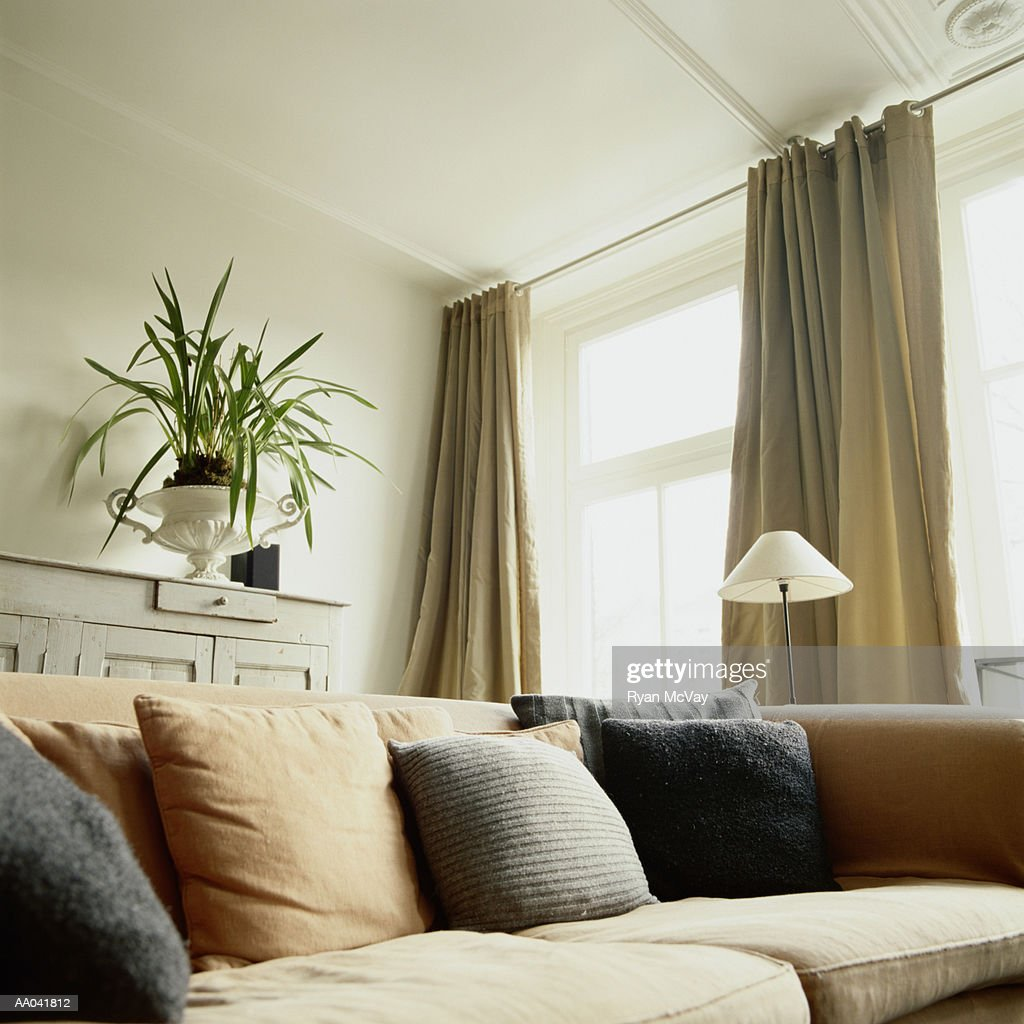 435 curtain rod photos and premium high res pictures getty images