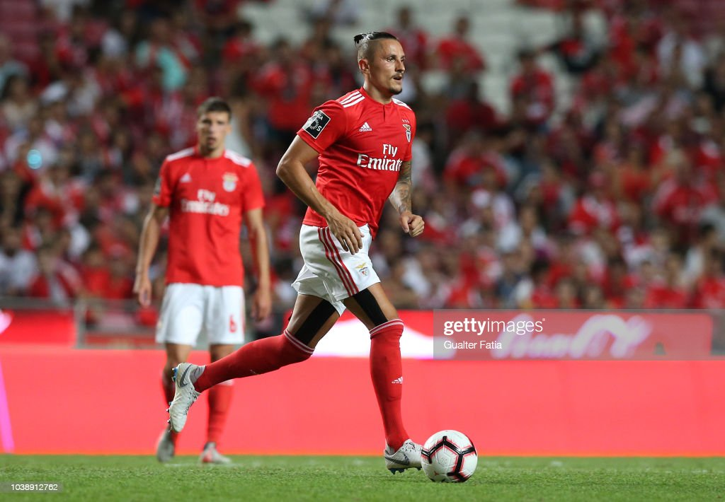 Ljubomir Fejsa of SL Benfica in action during the Liga NOS match... News Photo - Getty Images