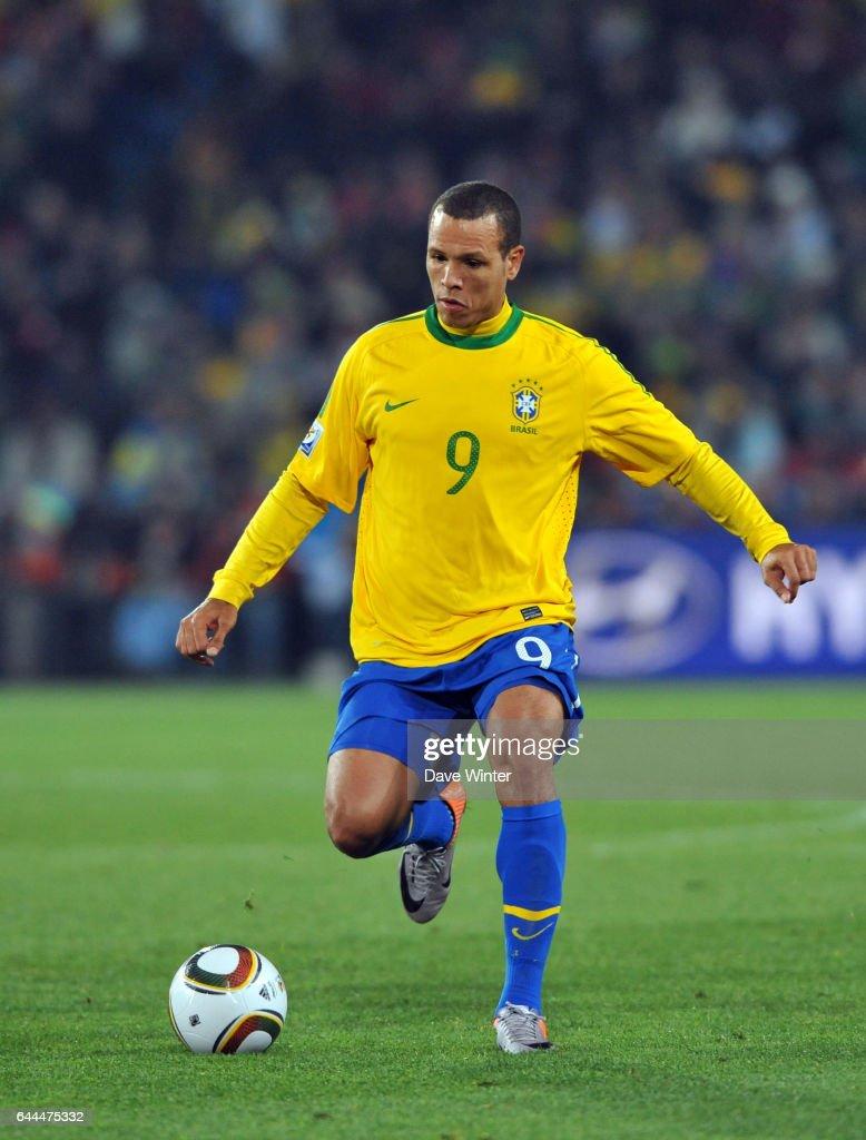 Coupe Du Monde De Football 2010 : coupe, monde, football, FABIANO, Bresil, Chili, Coupe, Monde, Match, 54,..., Photo, Getty, Images