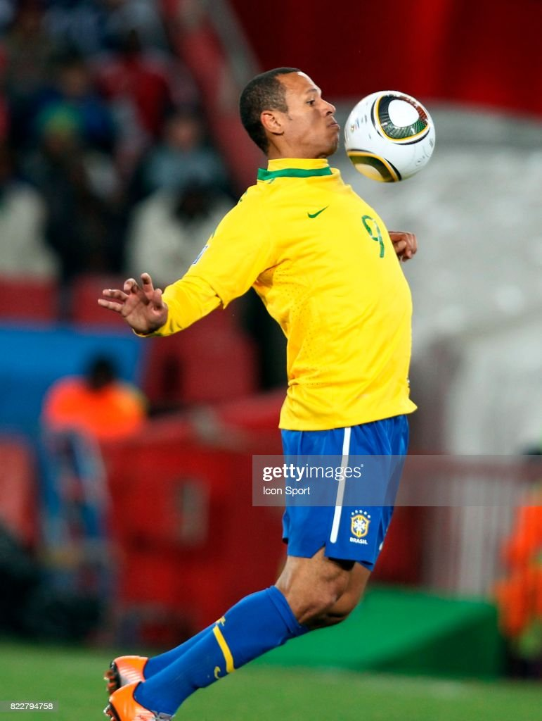 Coupe Du Monde De Football 2010 : coupe, monde, football, FABIANO, Bresil, Chili, Finale, Coupe, Monde, 2010..., Photo, Getty, Images