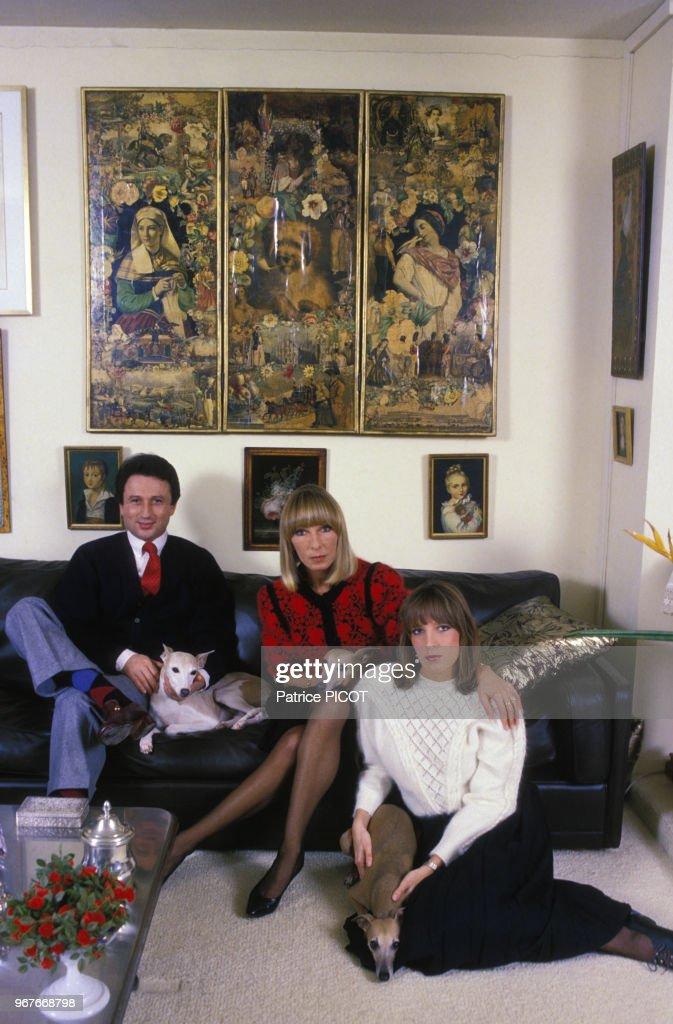 Photo De La Femme De Michel Drucker : photo, femme, michel, drucker, Michel, Drucker, Famille, Femme, Saval, La..., Photo, Getty, Images