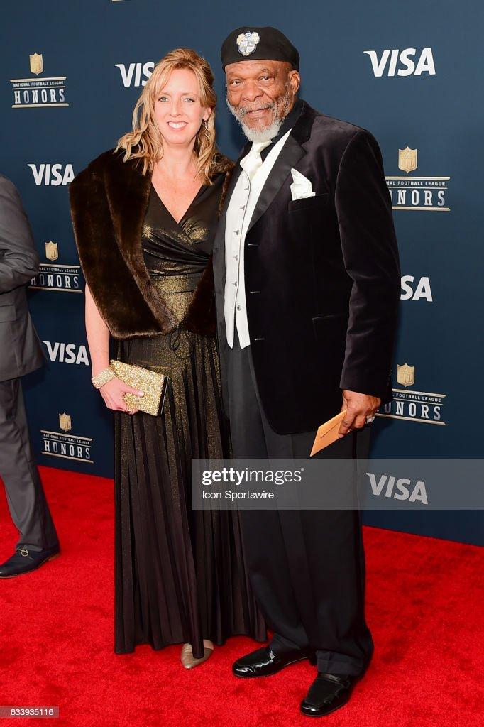 Minnesota Vikings Hall of Famer Carl Eller and his wife on