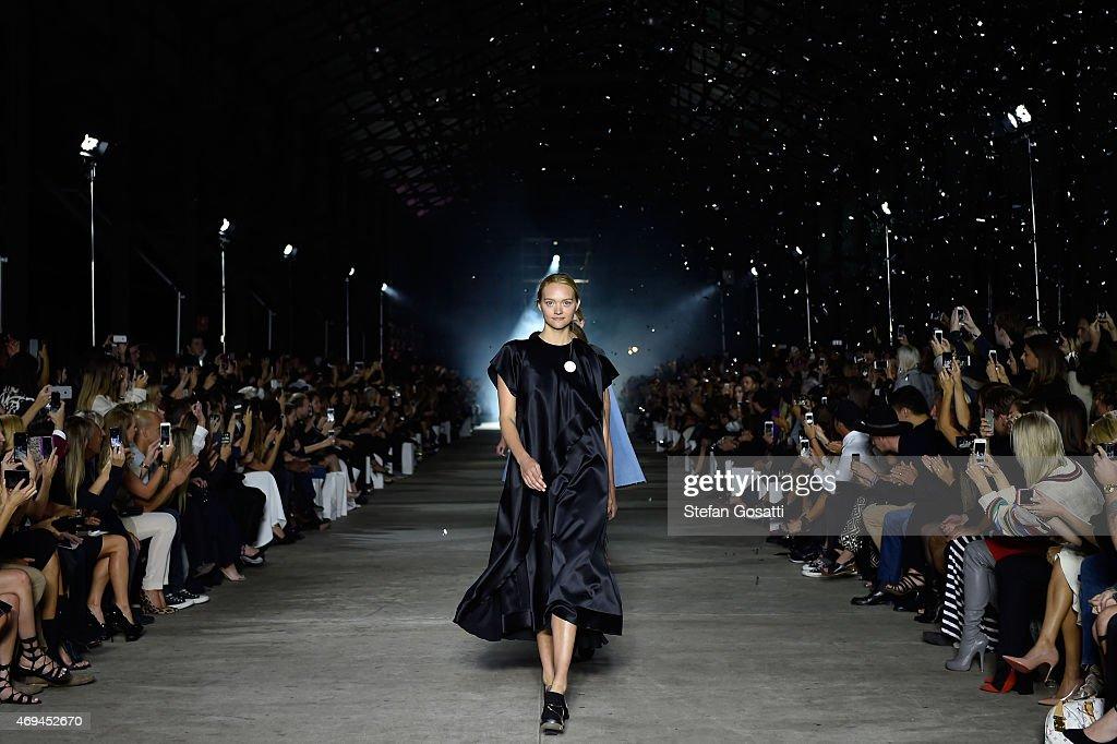 Australia Fashion Week Stock Photos And Pictures