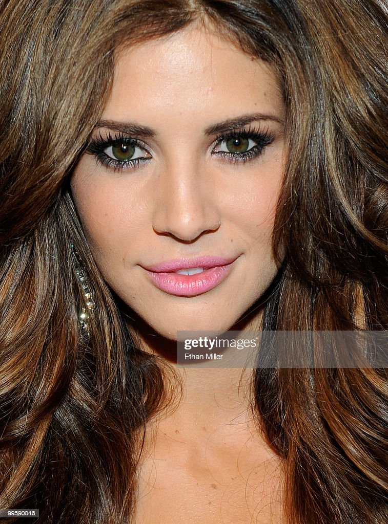 Model Hope Dworaczyk arrives at a party introducing her as the 2010... News Photo - Getty Images