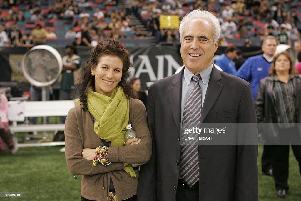 Jeffrey Lurie Wife Stock Photos and Pictures | Getty Images