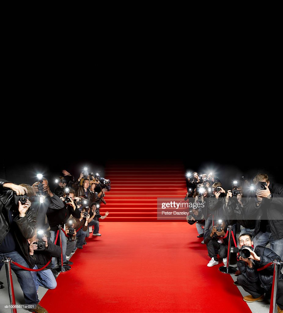 Paparazzi Roter Teppich Paparazzi Photographers Along Red Carpet Stock Foto Getty Images