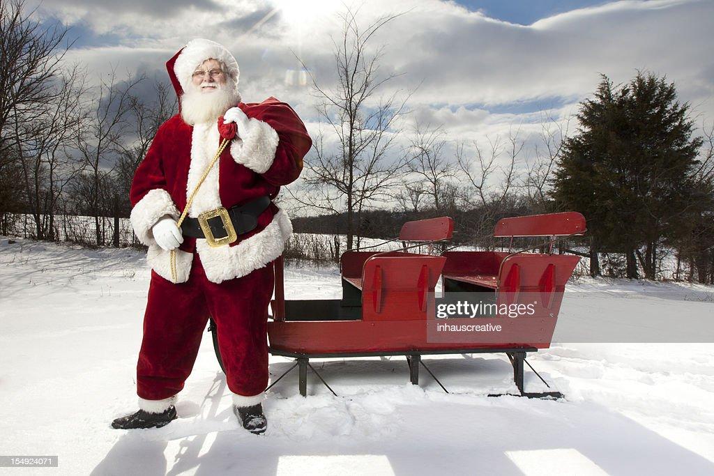 Scopri la collezione di foto di babbo natale in alta qualità. 1 719 Foto E Immagini Di Babbo Natale Slitta Getty Images