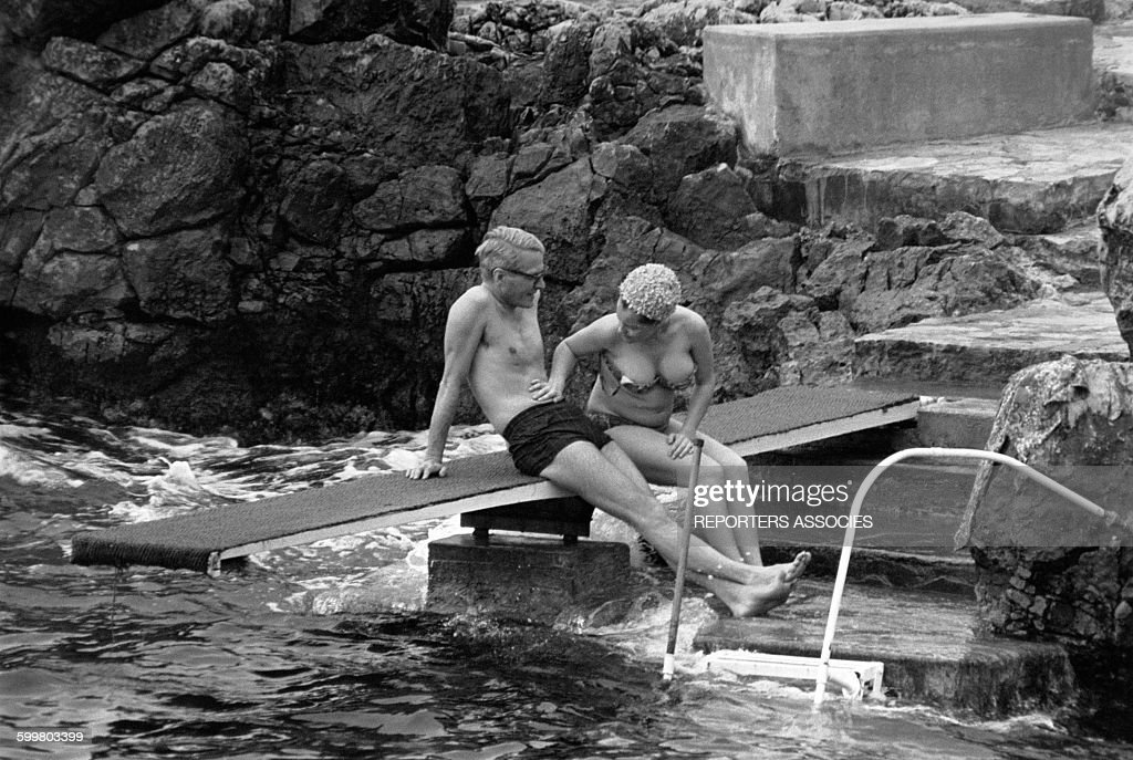 Romy Schneider et son poux Harry Meyen en maillot de bain