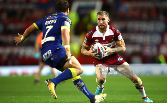 Sam Tomkins Of Wigan Warriors Runs With The Ball During