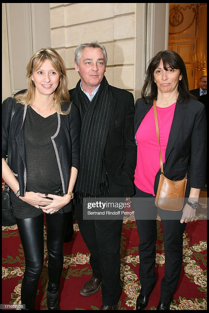 sarah lavoine anne marcassus and husband at muriel robin is honoured photo d actualite getty images