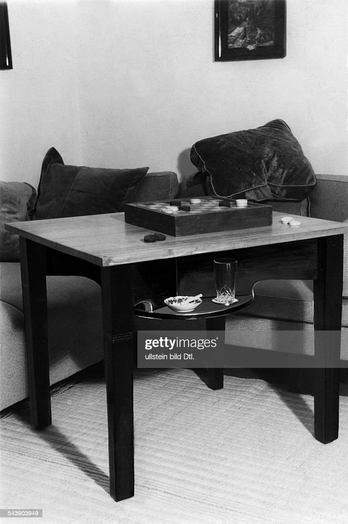 https www gettyimages com detail news photo simple table is converted into a gaming table the shelves news photo 543903949
