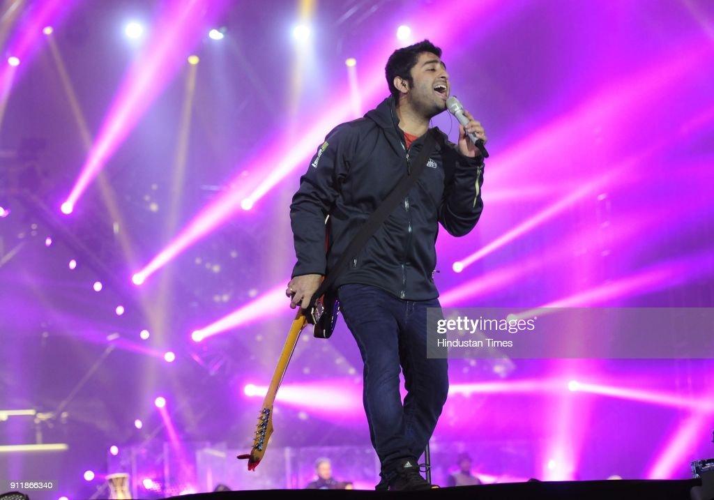 singer arijit singh performs