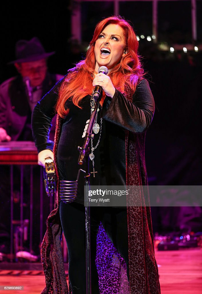 wynonna and the big noise christmas quot photos images getty