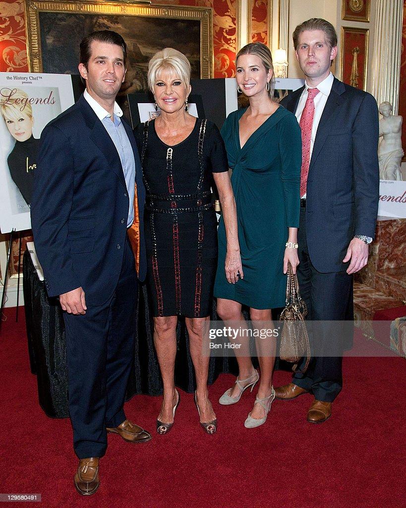 Socialites Donald Trump Jr.. Ivana Trump. Ivanka Trump and Eric Trump... Nachrichtenfoto - Getty Images