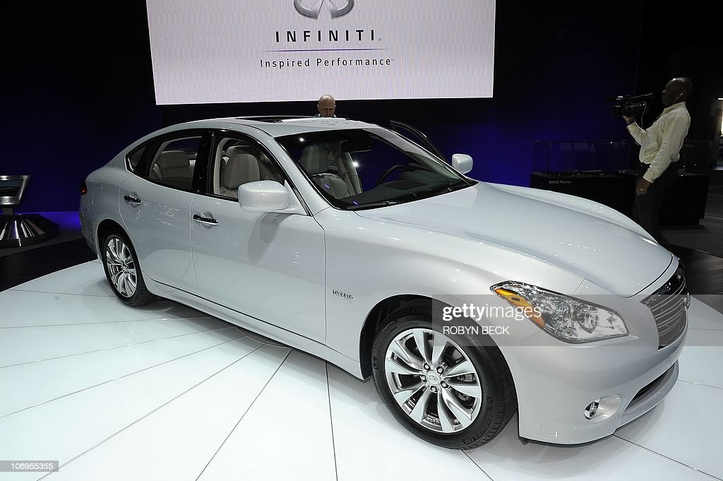 The 2012 Infiniti M35 H Is Revealed At The La Auto Show In Los