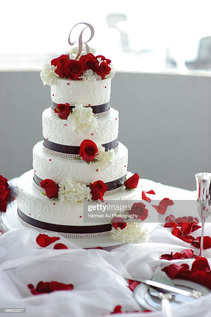 4 Tier Wedding Cake Photo  Getty Images