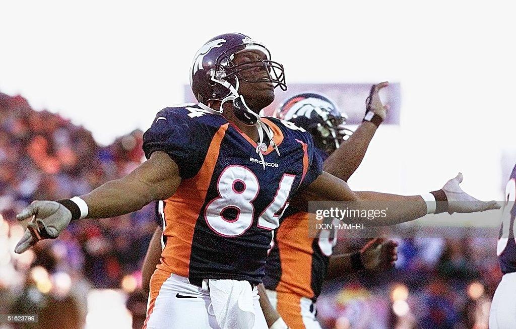Tight end Shannon Sharpe of the Denver Broncos celebrates
