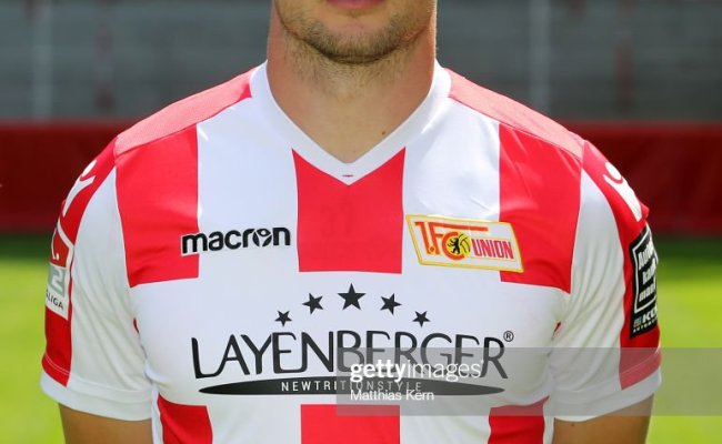 Toni Leistner Of 1 Fc Union Berlin Poses During The Team