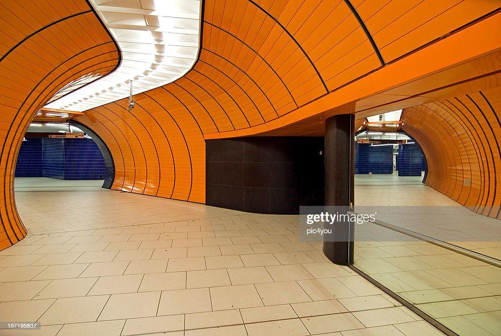 25 Photos Et Images De Metro Paris Carrelage Getty Images