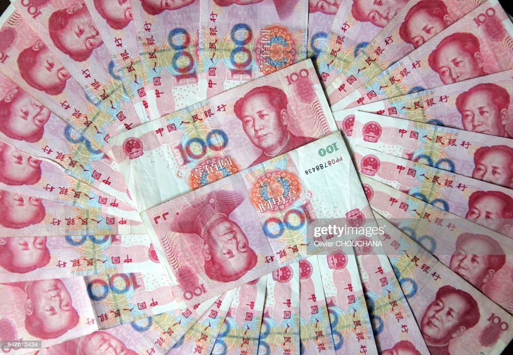 100 Yuan Note Photos and Premium High Res Pictures - Getty Images