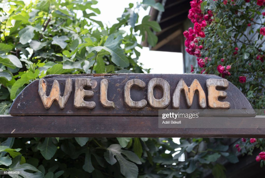 welcome sign premium pictures