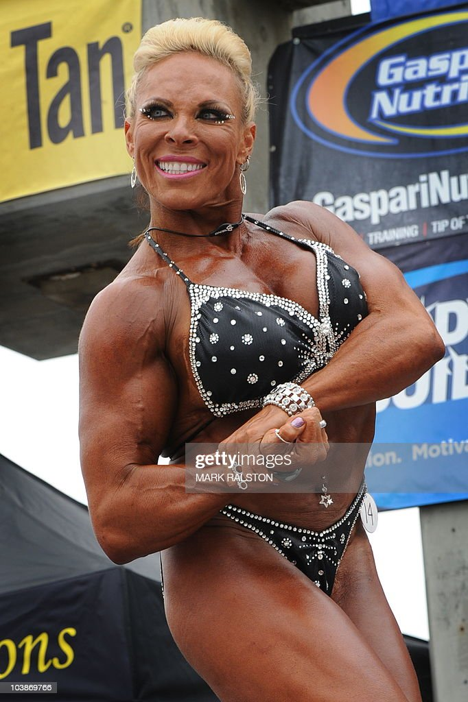 Women bodybuilder Lauren Powers competes during the annual Muscle News Photo  Getty Images