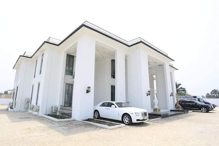govenor house1