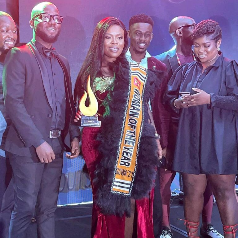 """Delay Wins GOWA """"Outstanding Woman Of The Year"""""""