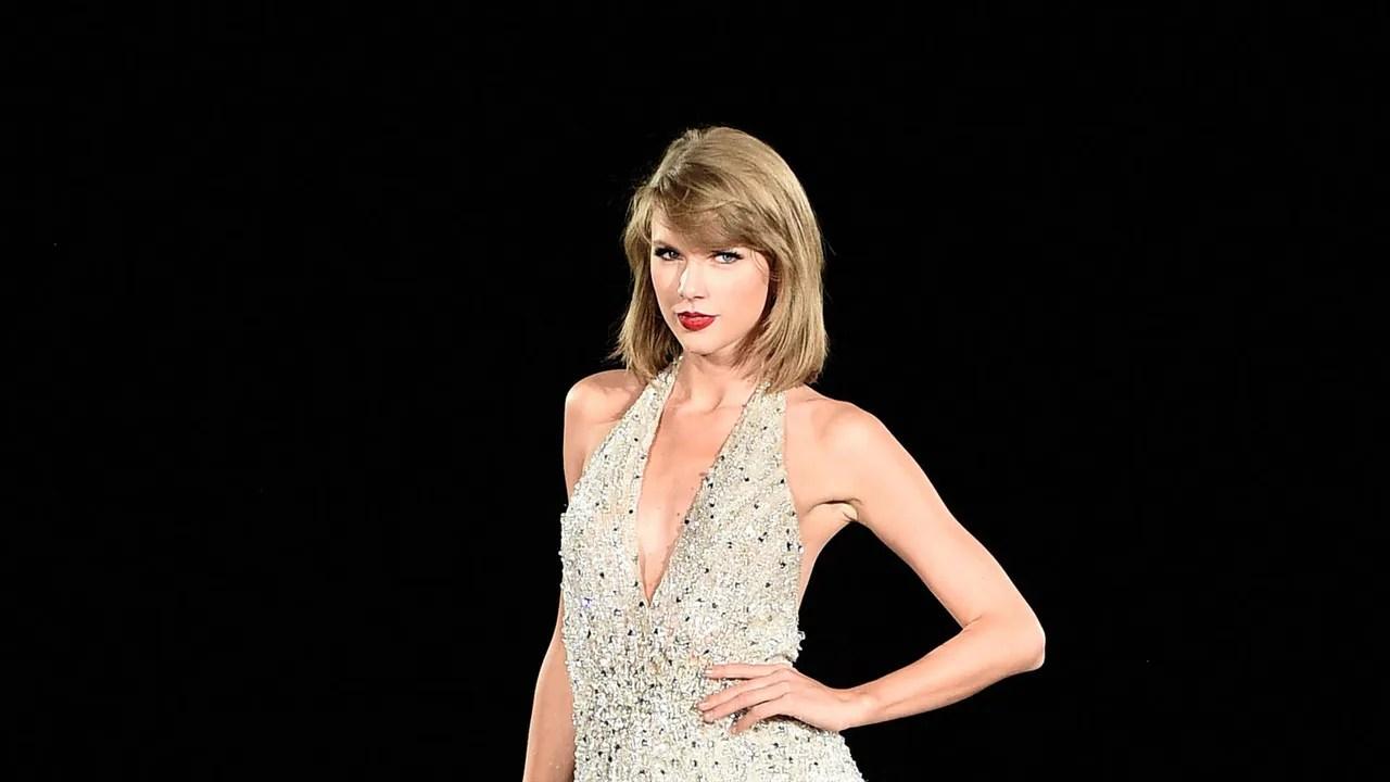 Grammys 2016 Taylor Swift Has A New Blunt Cut Bob Glamour