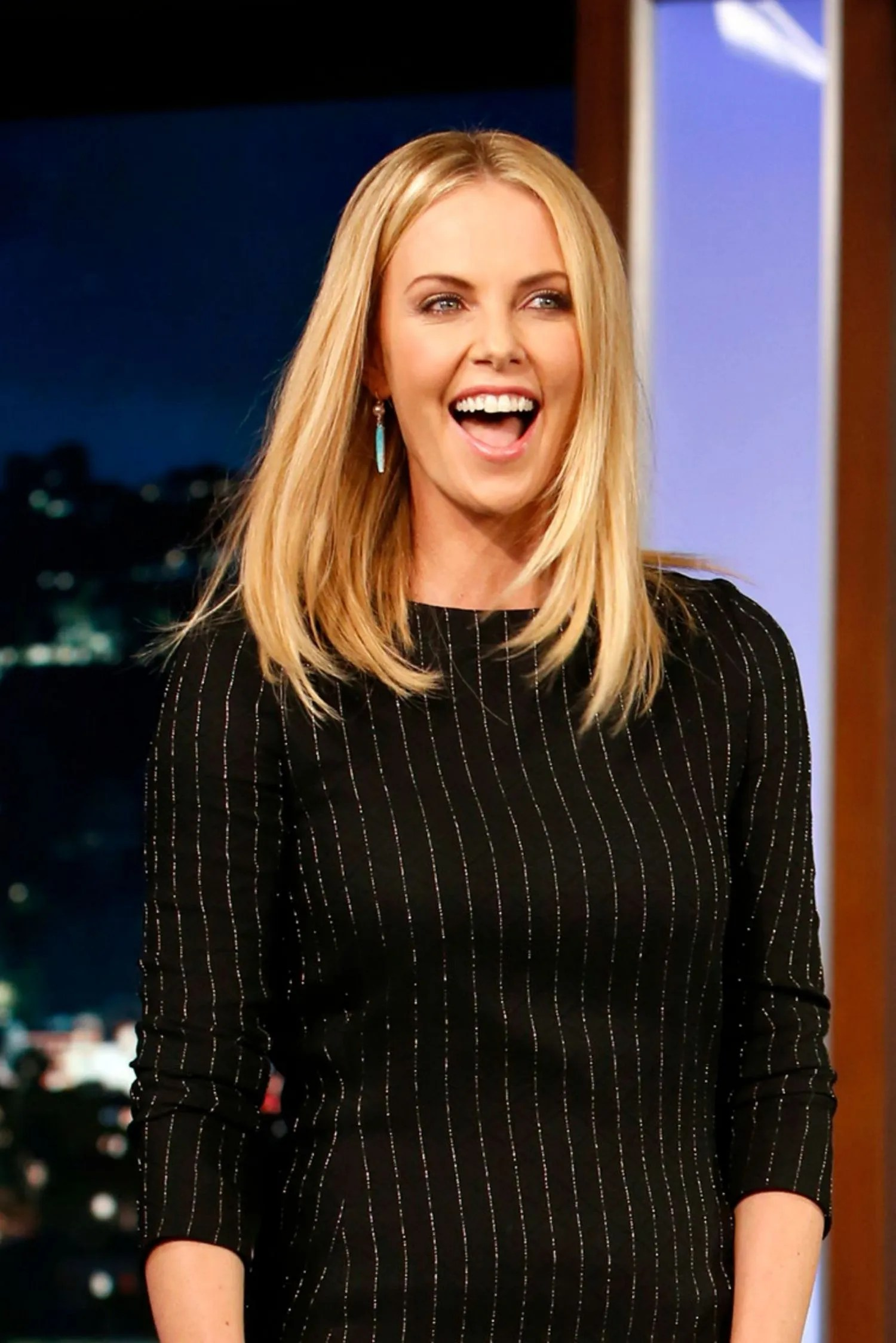Charlize Theron Haircut 2015 : charlize, theron, haircut, Charlize, Theron, Chopped, Super, Short, Glamour