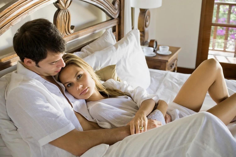5 Bad Habits Men Have in Bed  Glamour